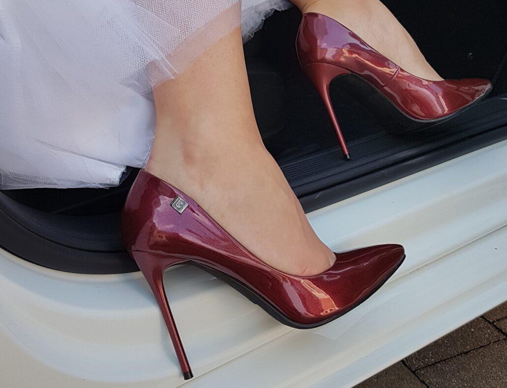 Dámske lodičky Laura Biagiotti, Ako sa obliecť na svadbu