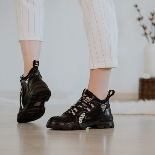 Čierne nízke topánky J.KER